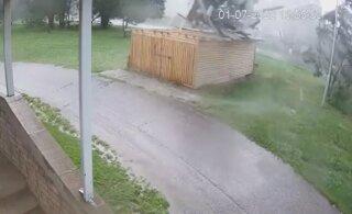 ВИДЕО | Торнадо в Эстонии: ранее неопубликованные кадры показывают, каким мощным может быть смерч