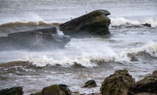 TORMIHOIATUS: tuule kiirus ulatub rannikul 28 meetrini sekundis