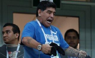 Jalgpallilegend Diego Maradona on surnud