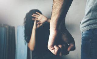 """""""Naine puudus sageli töölt. Selgus, et elukaaslase peksmisest tekkinud vigastuste tõttu ei saa ta tööl käia."""" Vägivalda tunnistanute pihtimused"""