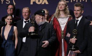 """Televisiooniauhinnad: Emmy'de jagamisel võidutsesid """"Troonide mäng"""" ja """"Tšernobõl"""""""