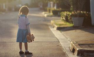 Kahemõttelised sõnumid, mida vanemad oma lastele edastavad ja mis mõjuvad psüühikale laastavalt