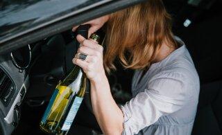 На заправке в Пылва охранник забрал у пьяной женщины ключи от автомобиля