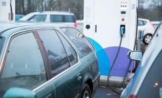 В Хааберсти открыли первую в Эстонии сверхбыструю зарядную станцию, на которой можно заряжать два электромобиля одновременно