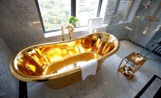 ФОТО | Даже унитазы золотые: первый в мире позолоченный отель открыл свои двери во Вьетнаме