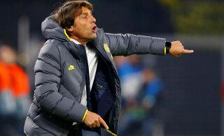 """Itaalia tippklubi peatreener soovitas oma mängijatel vähem seksida ja harrastada seda vaid <span class=""""tlid-translation translation"""" lang=""""et"""">abielunaistega</span>"""