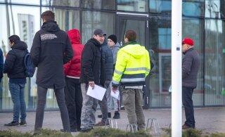 Инфекционист: коронавирус ищет и находит места скопления людей