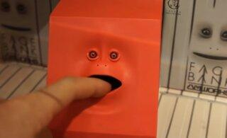 9 жутких игрушек, которые лучше не дарить детям