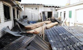 VIDEO ja FOTOD | Põlengu üle elanud Eesti autotootja: kahju on kahest autost, mis ära põlesid