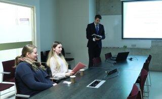 ФОТО | Момент истины: Райнер Вакра защищает дипломную работу