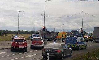 ФОТО и ВИДЕО | На Таллиннской окружной дороге столкнулись грузовики, движение временно перекрыли
