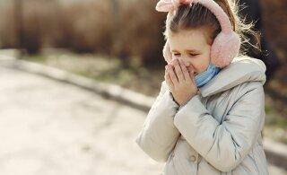 В Японии предупредили об опасности ношения масок для детей до двух лет