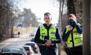 В этом году полиция поймала примерно в два раза больше любителей быстрой езды, чем в прошлом