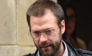 Briti rokkbänd Kasabiani endine ninamees Tom Meighan sai elukaaslase ründamise eest kohtuliku karistuse