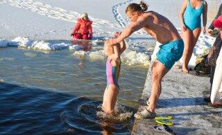 Доставайте плавки! Погода на выходных будет благоприятствовать крещенским купаниям