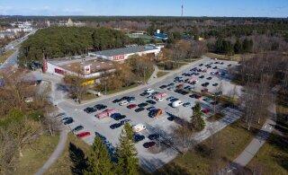 DROONIFOTOD | Tallinna kaubanduskeskuste parklad näitavad, kui tõsiselt inimesed kodus püsimise soovitust võtavad