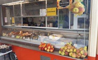 ФОТО | Двойной яблочный обман на трассе Таллинн — Тарту: торгуют несуществующим сортом якобы эстонского садовода