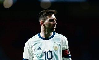 Argentina jalgpallilegend Messi kohta: ta mängib Barcelona eest teise suhtumisega kui koondises