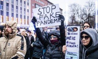"""""""Ничуть не медики, но безмерно образованные и осведомленные обо всем на свете """" блогер читает комментарии на RusDelfi к новостям про COVID-19"""