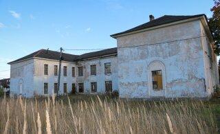 ФОТО: Как эстонский поселок-призрак на границе с Россией доживает последние дни
