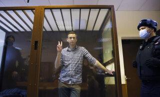 СМИ: Навальный доставлен в исправительную колонию в Коломне. ИК опровергла эту информацию