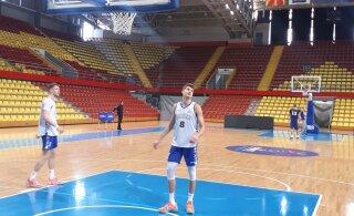 DELFI FOTOD SKOPJEST | Eesti korvpallikoondis tegi Põhja-Makedoonias esimese treeningu, mitmetel mängijatel on saalist ilusad mälestused