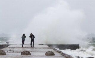 На Эстонию движется жестокий шторм: ожидаются перебои в энергоснабжении и подтопления