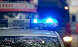 Вы видели помятый спереди Volkswagen? Полиция разыскивает автомобиль, который сбил женщину в Ласнамяэ