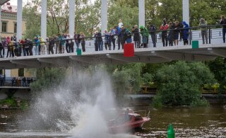 FOTOD   Vikerkaar, naer ja vesi: Tartus peeti maha üks korralik jõepidu