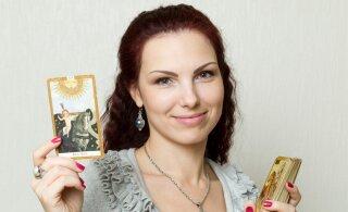 Tarokaartide kuninganna Katrin Oidra avaldab viisi, kuidas elus suuri otsuseid vastu võtta