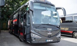 Lux Express vallandas jääknähtudega roolist tabatud bussijuhi