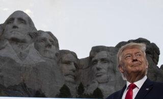 """Трамп заявил о симптомах """"левацкой революции"""" в США"""