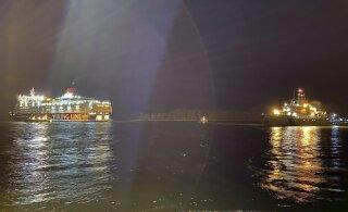 Пассажир севшего на мель парома Viking Line: корабль кренится, сигнализация орет, подумал, надо выбираться отсюда