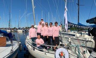 VIDEO | Muhu väina regatil osalev Kersti Kaljulaid pani päeva alustuseks peo püsti