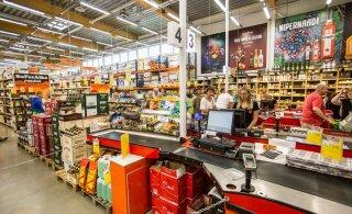 """""""В алкогольных магазинах работают целыми семьями"""". В Латвии протестуют против роста акциза на алкоголь"""