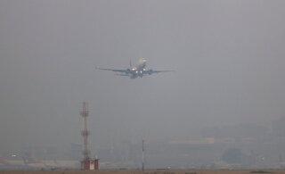 Lennuraev: purjus hispaanlanna põhjustas lennukis paraja kaose, kui kaasreisijaid rassistlikult sõimama hakkas