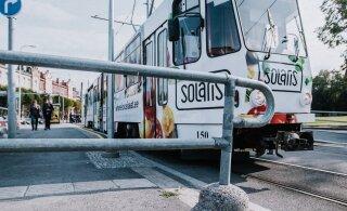 Пьяный хулиган избил водителя трамвая и ткнул в охранника ножом