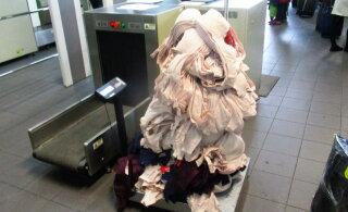ФОТО | На границе задержали жительницу Нарвы, пытавшуюся провезти в Россию 24 кг бюстгальтеров