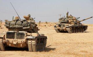 США выводят свои войска из сирийского Манбиджа и помогают освоиться там российским военным
