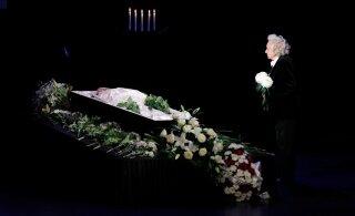 ГАЛЕРЕЯ | В Драмтеатре простились с актером Тыну Аавом