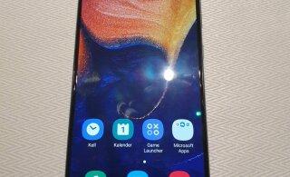 FOTOD JA VIDEO | Samsung tutvustas uusi keskklassitelefone, teatati Eestis ülipopulaarse mudeliseeria kaotamisest