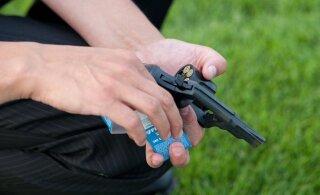 В Харьюмаа мужчина выстрелил в сторону полицейских из стартового пистолета