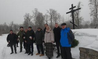 ФОТО И ВИДЕО | На братском захоронении Северо-Западной армии в Нарве прошла поминальная служба