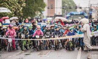 FOTOD   Lapsed lustisid Tartu rattaralli tillusõidul