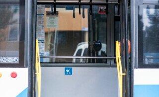 В Таллинне из троллейбуса выпала пассажирка
