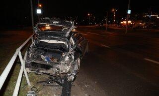 ФОТО | На Лаагна теэ столкнулись автобус и BMW