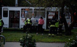 ГАЛЕРЕЯ | Новость читателя: в Копли трамвай сбил человека
