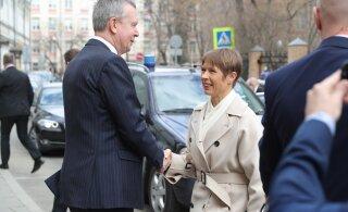 VISIIDIBLOGI | President Kaljulaid saabus saatkonnahoone avamisele, hiljem kätleb ta Putiniga
