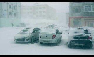 ВИДЕО: За неделю до календарного лета на севере России свирепствует зима