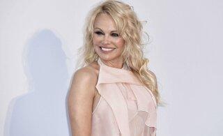 KUUM KLÕPS   Pamela Anderson tähistas oma sünnipäeva vallatu fotoga